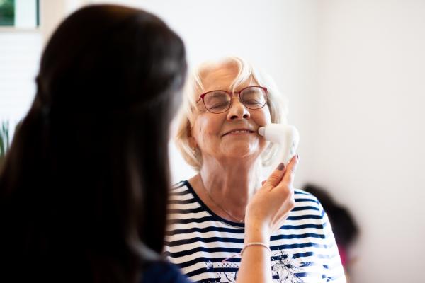 Novafon - Stimmtherapie bei funktionaler Stimmstörung in der Dysphagietherapie